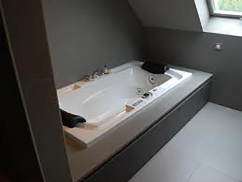 Installatiebedrijf maes van advies tot na installatie for Installatie badkamer